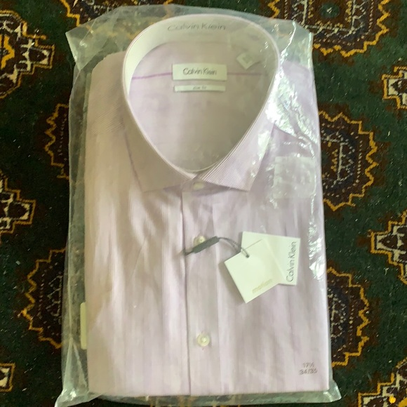 New with tags slim fit long sleeve dress shirt